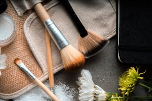 makeup-brushes-close-up_4460x4460
